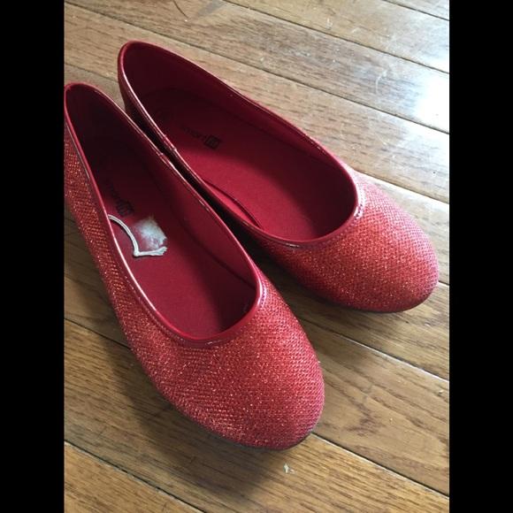 09239b04b7fb Girl 3.5 red sparkly ballet flat shoe. M 5cb4a36229f030956291e0b4